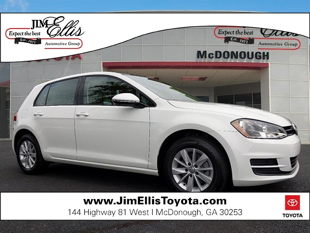 Pre-Owned 2016 Volkswagen Golf TSI S 4-Door w/Sunroof