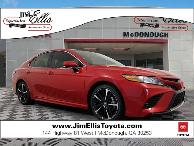 New 2019 Toyota Camry XSE w/Navigation & Panoramic Moonroof