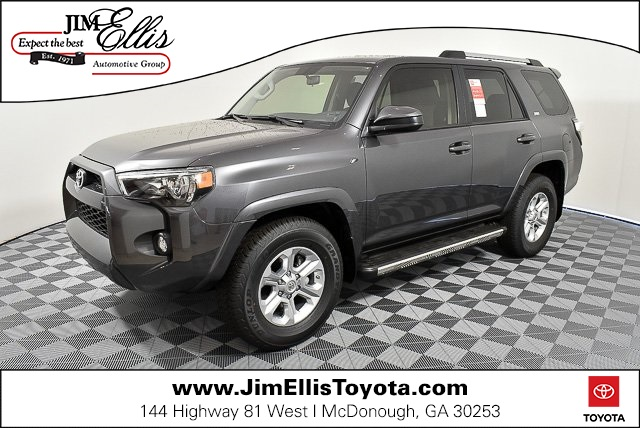 New 2019 Toyota 4Runner SR5 w/Navigation & 3rd Row