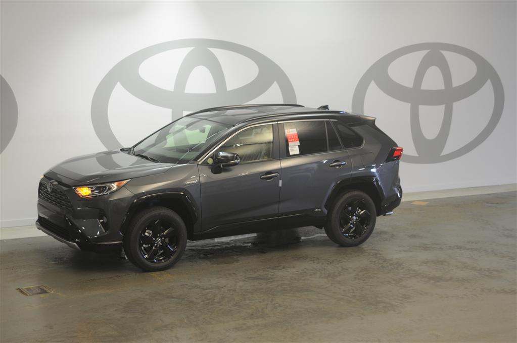 New 2019 Toyota RAV4 Hybrid XSE AWD w/Audio & Weather Package