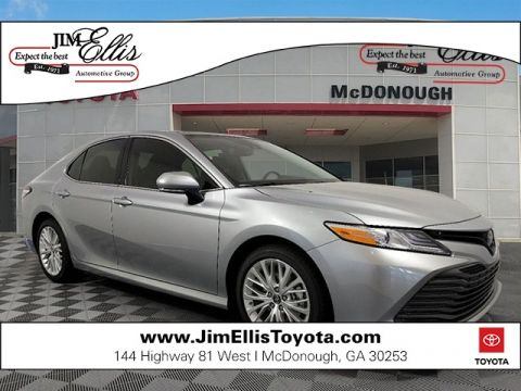 New 2019 Toyota Camry XLE w/Panoramic Moonroof