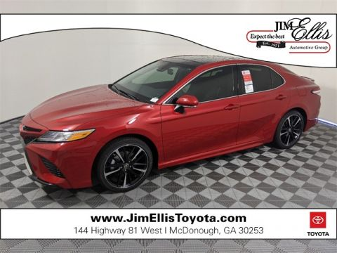 New 2020 Toyota Camry XSE w/Panoramic Moonroof 4D Sedan FWD