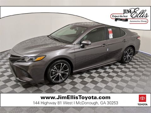 2020 Toyota Camry SE w/Convenience Pkg & Blind Spot Monitor + Moonroof