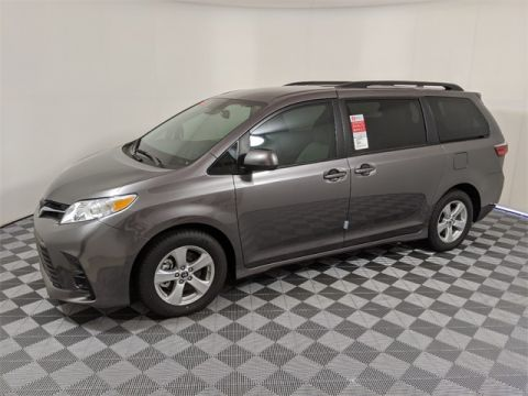 2020 Toyota Sienna LE 8 Passenger w/Custom Heated Leather Seats